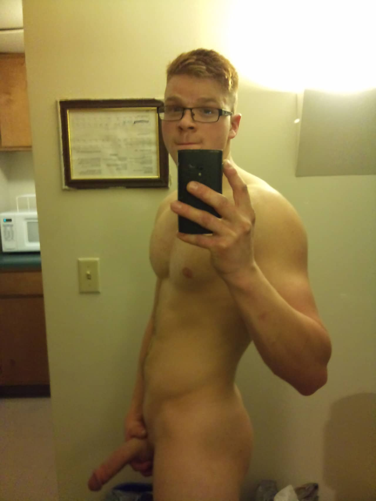 Sexy Guy Taking Nude Selfies - Amateur Gay Twink
