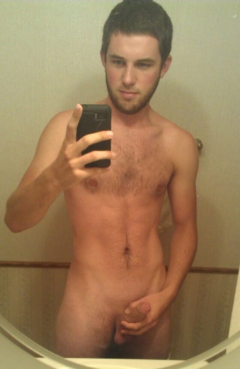 Nude Guy Taking Self Pics In The Mirror